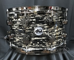 DW Snare Drum Collector's 8x14 Maple Mahogany w/ Black Nickel Hardware - Black Oyster Glass